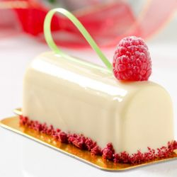 Strawberry White Chocolate Monoportion Image