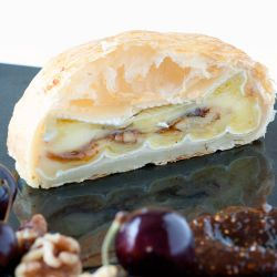 Baked Brie en Croute with Fig and Walnut
