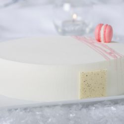 Strawberry Pannacotta Gelato Cake Image